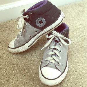 Converse All Star sneaker size 2 ⭐️